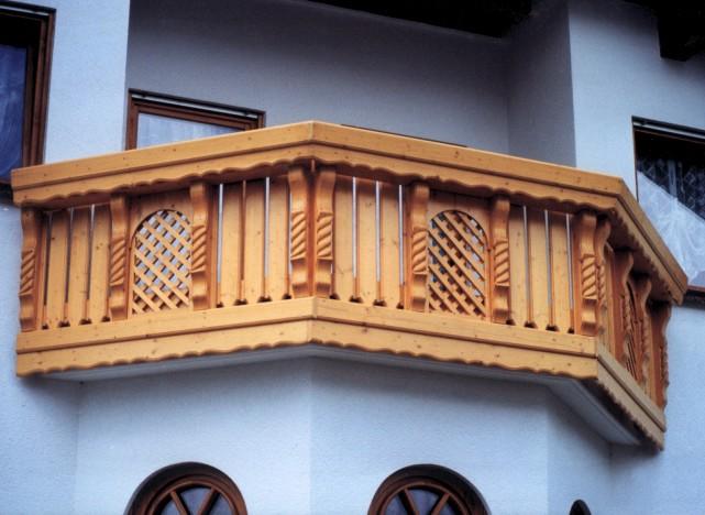 balcon incastrat din lemn masiv sau stratificat de stejar fag